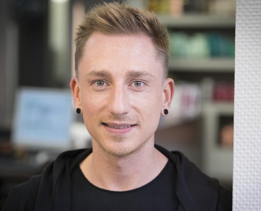 Friseur Florian Stutz aus Halle jetzt neu im Salon Strese Leipzig.